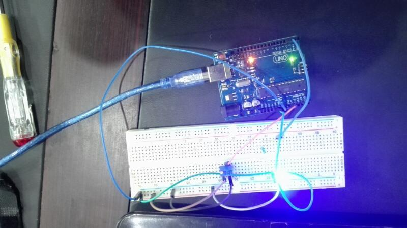 Analog voltage reading with Arduino