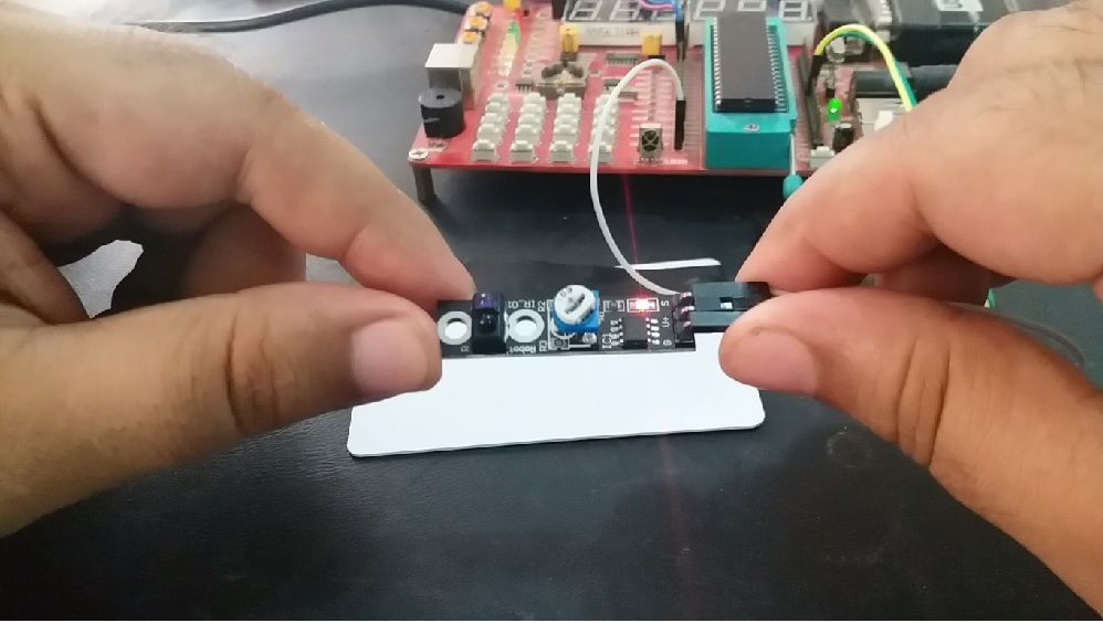 Line Tracking Module interfacing with pic microcontroller