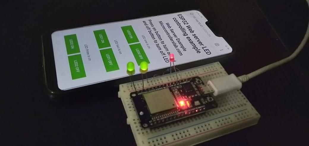 ESP32 Web server in Arduino IDE