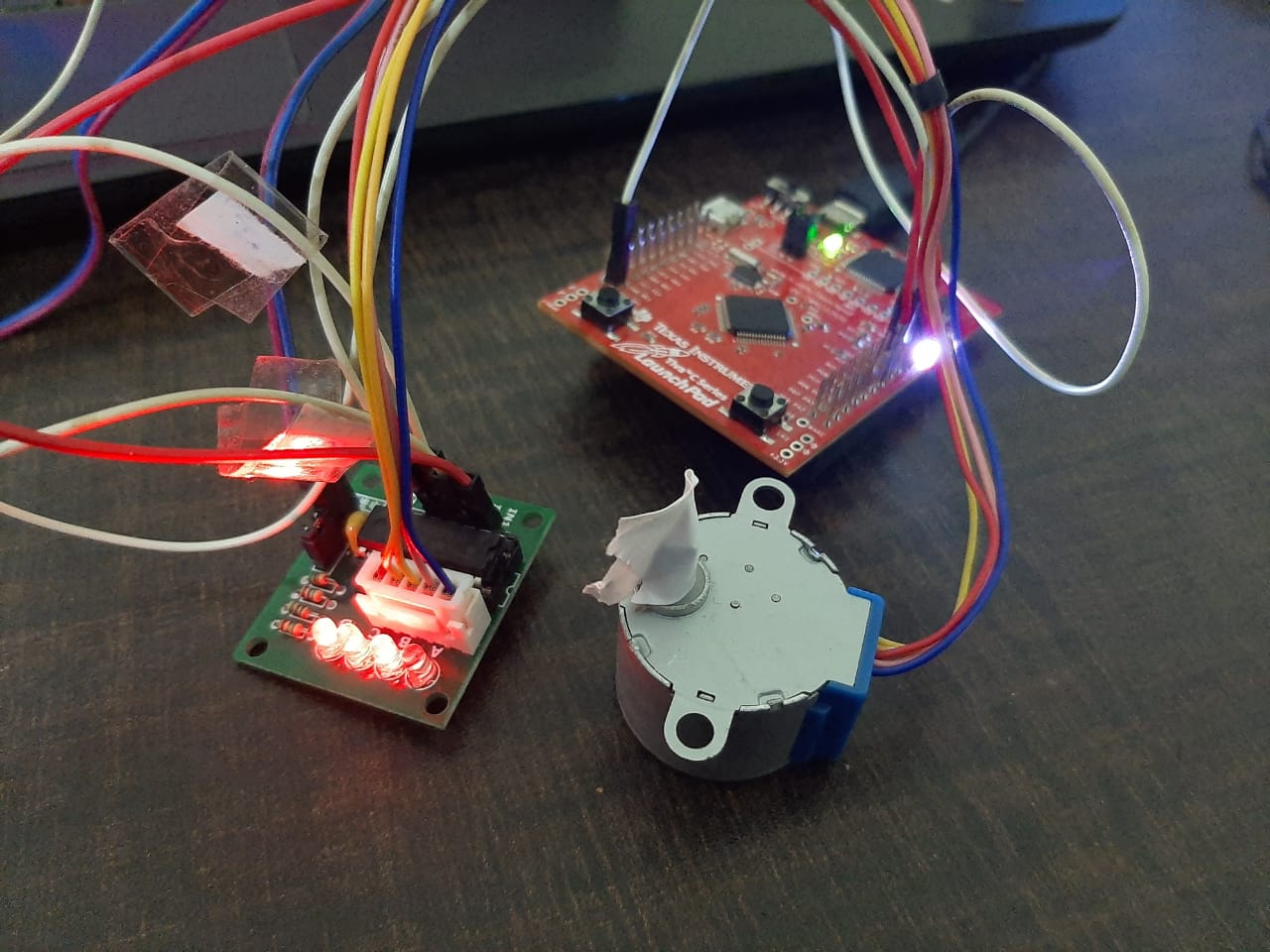 28BYJ-48 stepper motor interfacing with TM4C123 Tiva Launchpad hardware demo