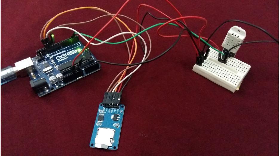 Arduino DHT22 data logging to microSd card hardware